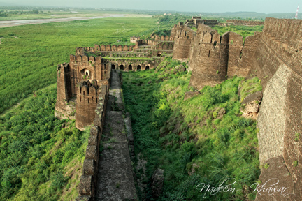 Langatkhani gate
