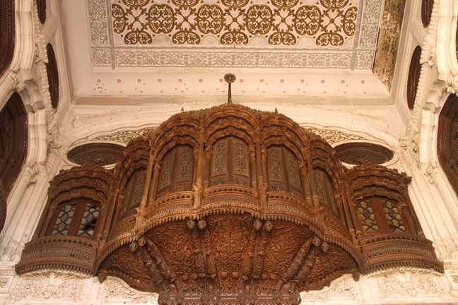 IMAGE_7_Wood Carving Enterance Ceiling